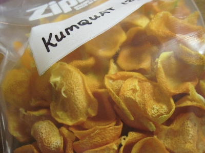 store dried kumquats in an airtight zipper bag