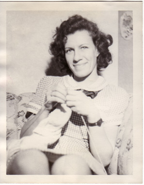 Mommy knitting in 1949